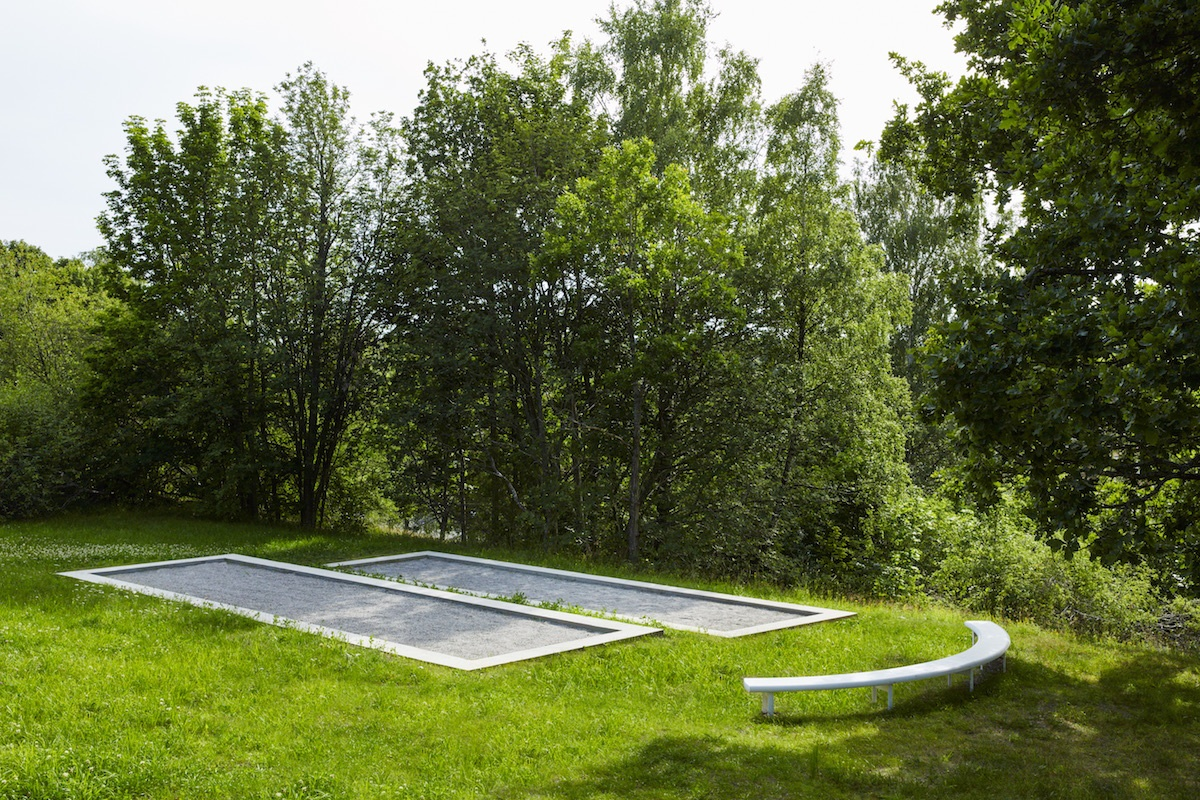 Concrete Petanque Terrains and Aluminum Bench